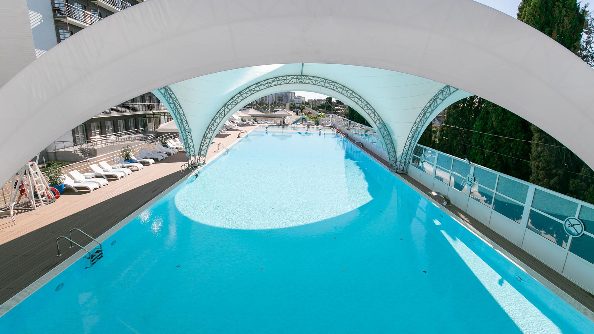 bassein-v-olimpiyskom-parke-breeze2